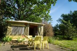 Accommodation - 4-Person Canvas Bungalow - CAMPING DOMAINE DE BRIANGE