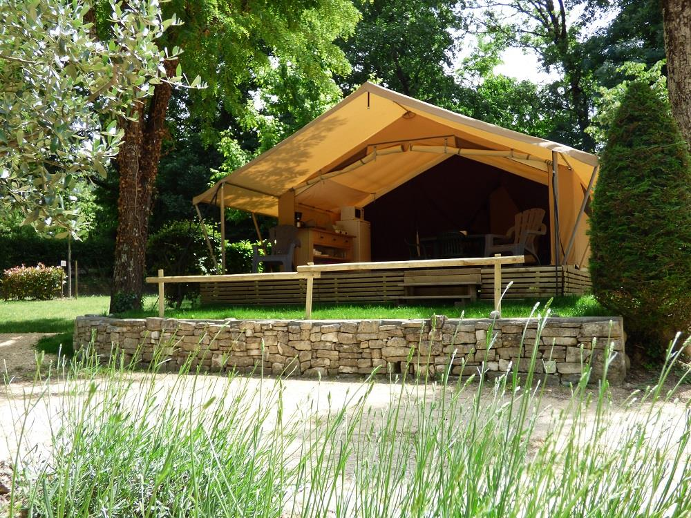 Rental - Equipped Tent Cabanon Classic 500 - 2 Bedrooms / Terrace (Without Toilet Blocks) - Camping Le Clapas