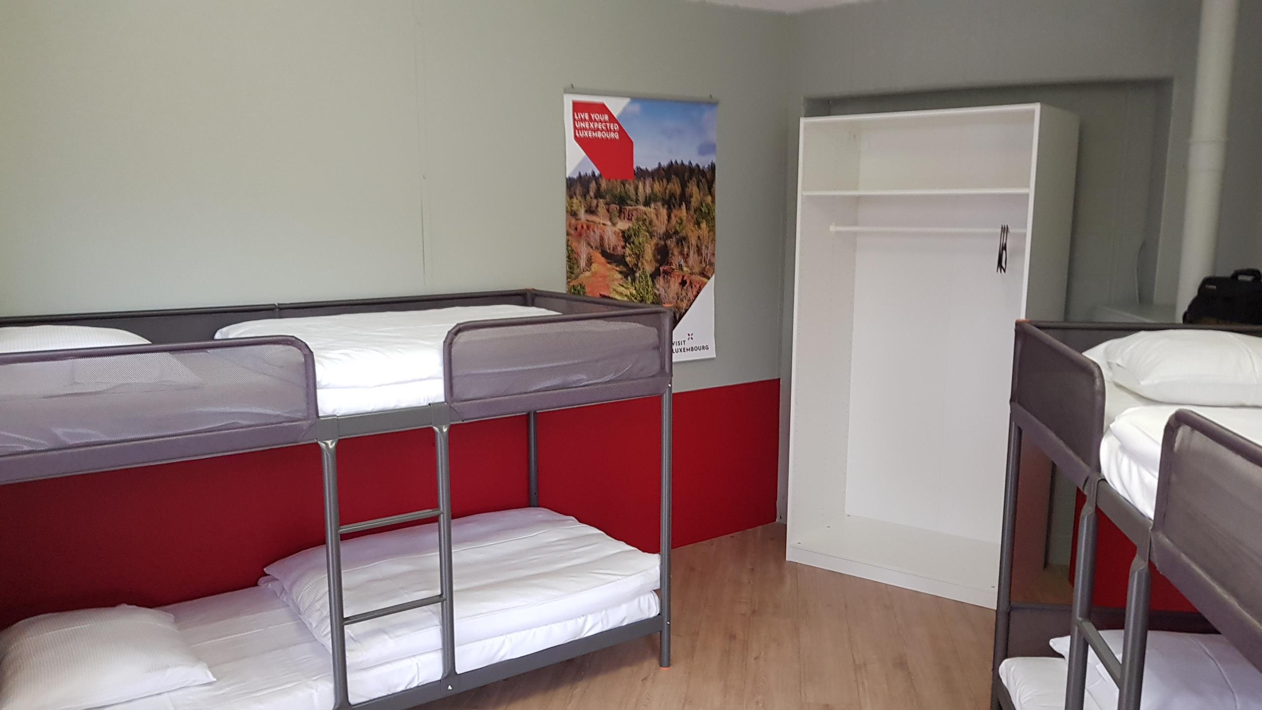 Room with single beds and bunk beds Max. 3 days
