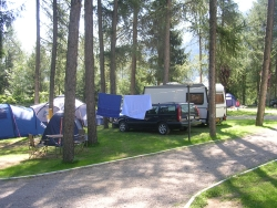 Pitch tent caravan or camping-car +1 car +2 PAX 80m²