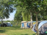 Pitch - Package: Pitch + Car + Hot water - Camping La Rouvière Les Pins