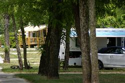 Pitch - Basic Rate With Camper, Electricity 10 Amperes Included - CAMPING LA ROUBINE