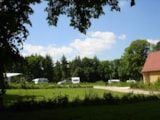 Pitch - Premium Pitch  (Pitch 230 M² With Tap Of Water, 1 Car, With Electricity 10 A) - Camping LE CLOS CACHELEUX
