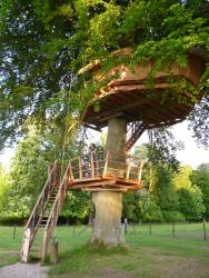 Romantic Treehouse Dame Alexandrine