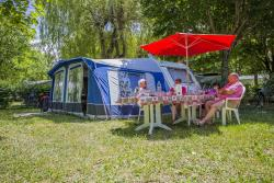 Pitch Comfort (Tent, Caravan Or Campervan - Electricity 10A - Average Area 100M²)