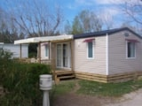 Rental - Mobilhome CONFORT + 32 m² (2 bedrooms) Half-covered terrace, TV, CLIM - Camping Lou Comtadou