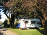 Pitch - Quickstop camping Bretagne : Pitch + camping-car + electricity - Camping Kost-Ar-Moor