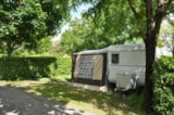 Pitch - Comfort Package (1 tent, caravan or motorhome / 1 car / electricity 16A) - Flower Camping L'Abri-Côtier