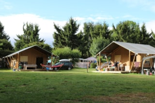 Safari Tent 35 M² With Wooden Terrace 2/5 Pers
