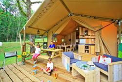 Huuraccommodaties - Safari tent Luxury - 2 (Slaap)kamer -1 bad - Camping Saint Avit Loisirs