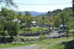 Emplacement - Emplacement Grand Confort - Camping Chadeyron