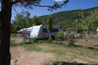 CONFORT pitch: 160ft², water, wasterwater connexion, electricity (16A)