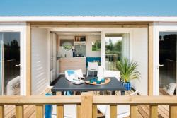 Rental - Wooden Mobilhome Grand Confort O'Hara (4,30 x 8,80 m) + partially covered terrace - Camping du Domaine de Maillac