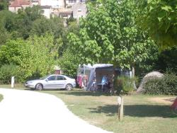 Pitch - Pitch : car + tent or caravan + electricity - Camping des Moulins