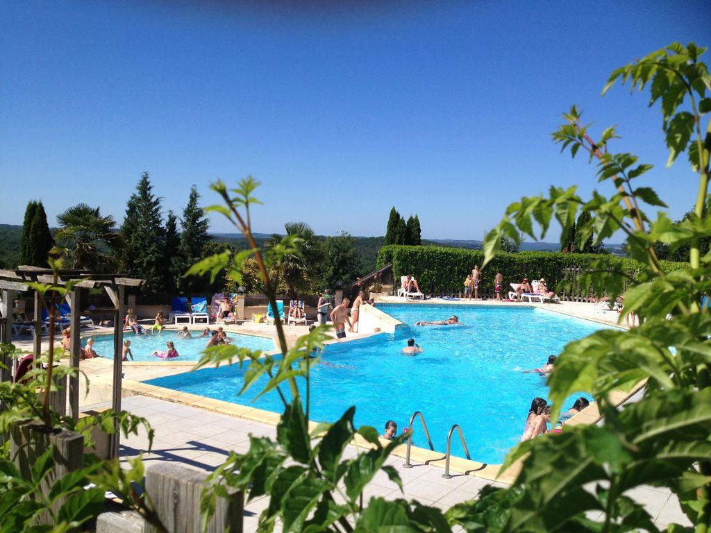 Etablissement Camping Le Daguet - Saint Laurent La Vallée