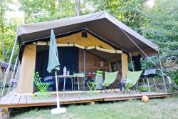 Rental - Sweet Wood & Canvas tent + - Huttopia Sarlat