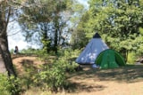 Pitch - Camping Pitch + 2 People +1 Tent + 1 Car Without Electricity - Camping Brin d'Amour