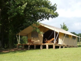 Lodge Tent 35 m² / 2 bedrooms (without toilet blocks) - 10m² sheltered terrace