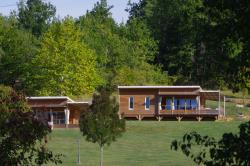 Huuraccommodaties - Chalet Premium Family 43m²/3 slaapkamers - 26 m² overdekt terras + Airconditioning - CAMPING LES VALADES