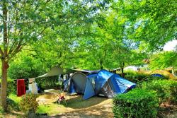 Pitch - Package: Pitch + car + tent or caravan - Camping Domaine de Fromengal