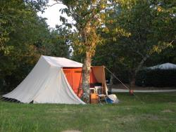 Pitch - PITCHES FOR TENT CARAVAN MOTORHOME - Camping L'Offrerie