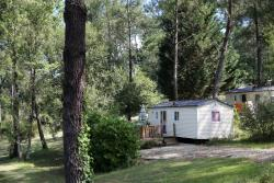 Rental - Mobilhome Merlot - 2 rooms  'Gabled roof' - Camping Sites et Paysages DOMAINE DE L'ÉTANG DE BAZANGE