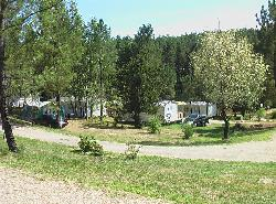 Pitch - Pitch Premium 250 m² Merlot - Small view of the lake - Camping Sites et Paysages DOMAINE DE L'ÉTANG DE BAZANGE