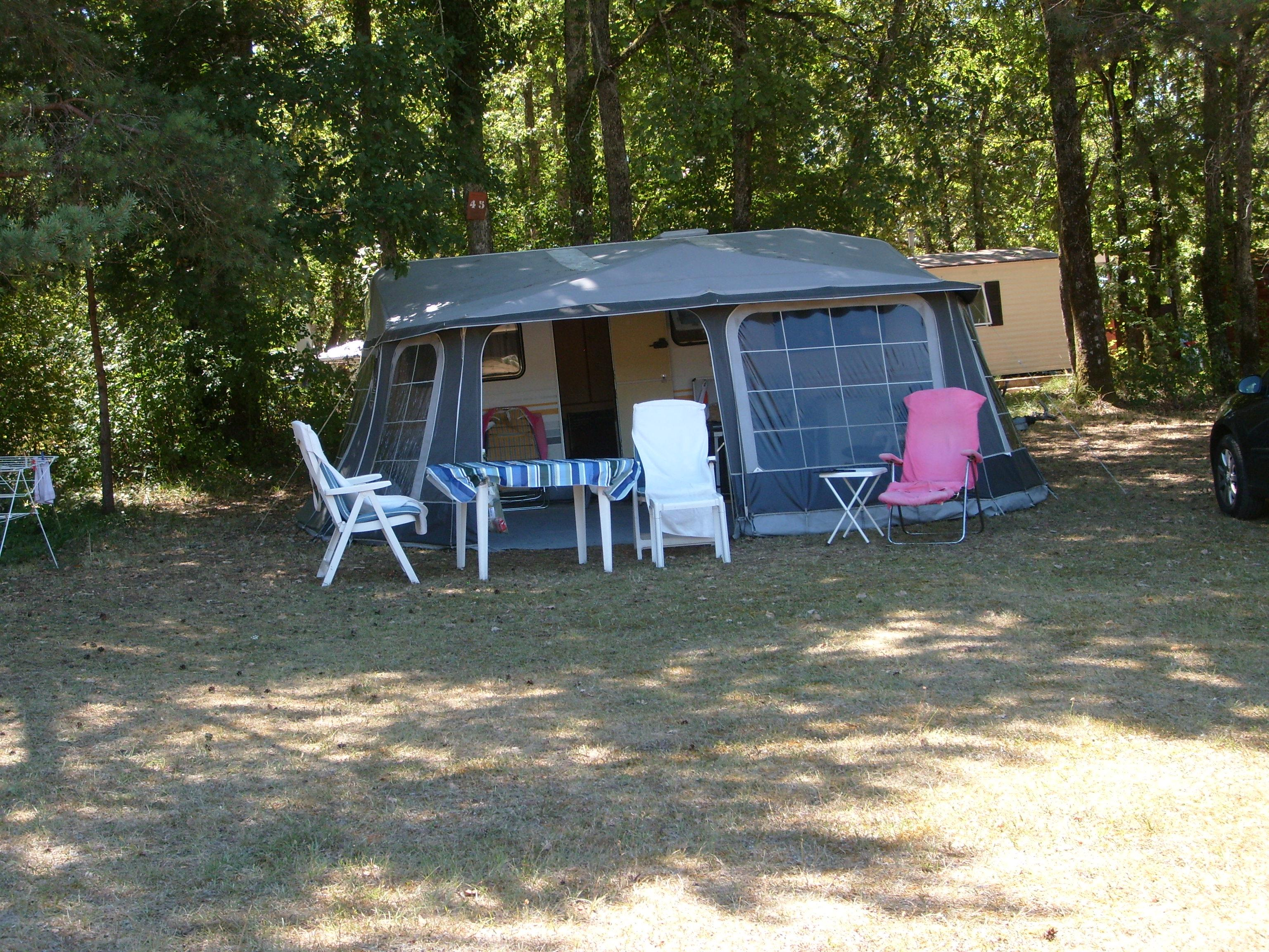 Emplacement - Emplacement Camping - Camping La Forêt
