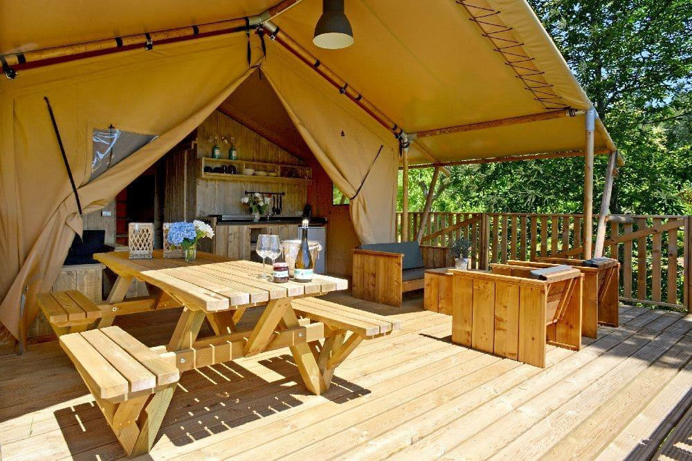 Location - Lodge Woody Avec Sanitaires - Camping La Forêt