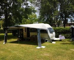 Pitch - Package 'Confort' (1 pitch  2 Adults electricity 10A) - Camping L'Agrion Bleu