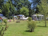 Pitch - Pitch (Car + Tent/Caravan Or Camping-Car) - Camping Le Plein Air Neuvicois