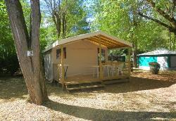 Huuraccommodaties - Sahari 5p tent wood structure with terrace - CAMPING LE ROCHER DE LA GRANELLE