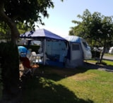 Pitch - Pitch Confort electricity 10A - Camping UR-ONEA