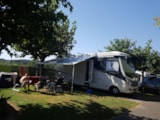 Pitch - Pitch Grand Confort - electricity 10A) + Water point - Camping UR-ONEA