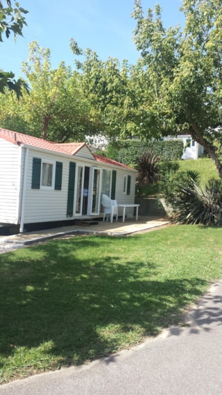 MOBILE-HOME RIVIEIRA 3 rooms (4 adults and 2 children under 16 years old)