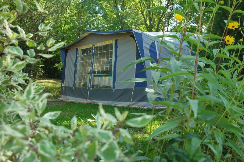 Forfait journalier emplacement camping caravane for Camping queyras piscine