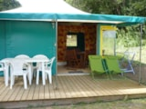 Rental - Kanada tent with sanitaries - Domaine de Corneuil