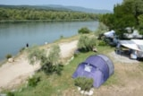 Pitch - Confort pitch 130 m², riverside - Camping Sunêlia L'Hippocampe