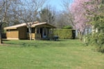 Rental - Chalet prestige 35 m² + sheltered terrace 12 m² - Camping Sites et Paysages LES PASTOURELS