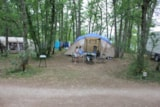 Pitch - Forest pitch (2 pers included) shaded, ideal for a hammock - Camping Sites et Paysages LES PASTOURELS