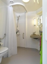 Rental - RESIDENCE VIVARIO AIR CONDITIONED (2 bedrooms) - adapted to the people with reduced mobility - Camping Port Pothuau