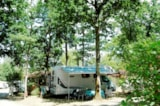 Pitch - Pitch CARAVAN / CAMPER + 1 car (max. 140 m²) - Le Patisseau