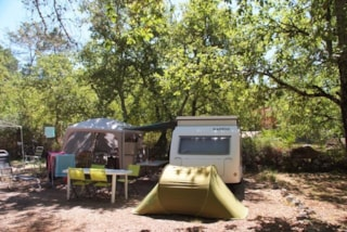 Pitch Caravan / Large Tent + 1 Car +10Aelectricity