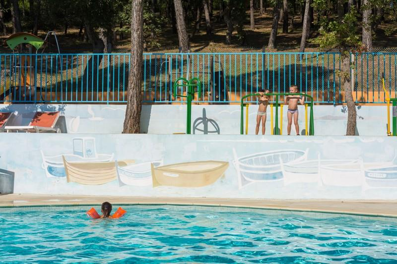 Camping les playes camping 419 rue grand 83140 six for Comhoraire piscine six fours