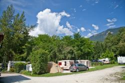 Emplacement - Forfait Grand Confort (Electricite 10 Amperes + Grand Emplacement) - Camping des Neiges