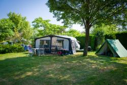 Emplacement - Emplacement Camping  Confort - Huttopia Lac d'Aiguebelette