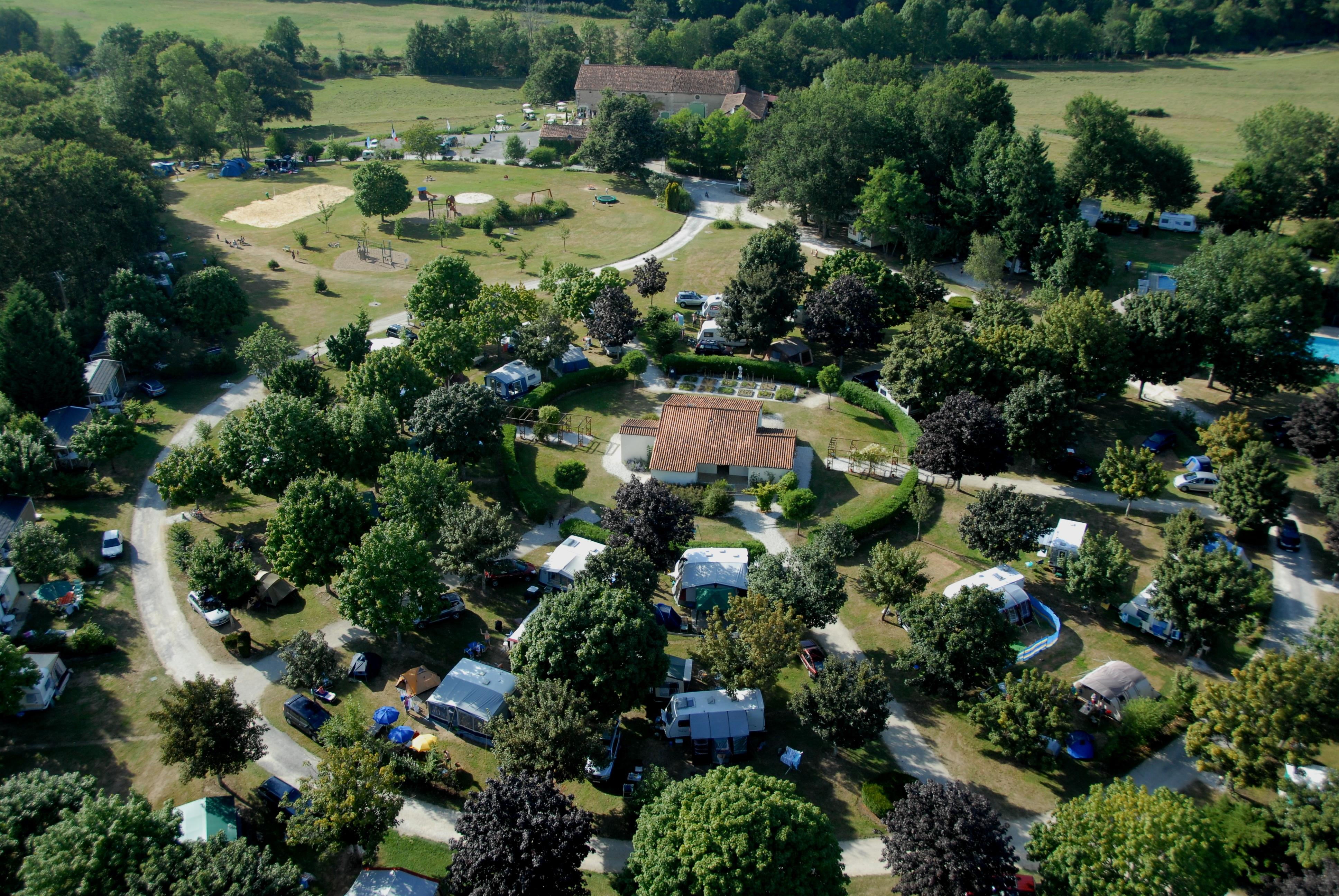 Camping les Gorges du Chambon, Eymouthiers, Charente
