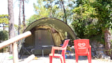 Pitch - Pitch (middle tent/big tent) + car in the parking.Terraced campsite. - Camping La Pineta