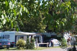 Emplacement - EMPLACEMENT 95 m² - Camping du Chatelet