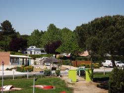Establishment Camping Le Paradou - Parcoul